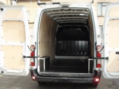 Переобладнання вантажного відсіку, обшивка, встановлення крісел